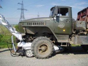 ilginc-kamyon-kazalari-7908-14g
